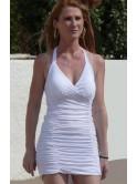 Robe courte blanche, dos nu